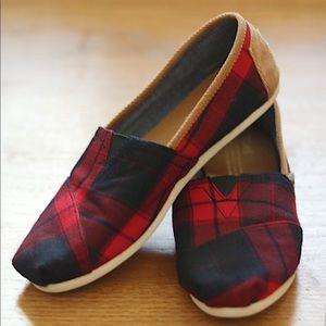 Women's TOMS classic shoes